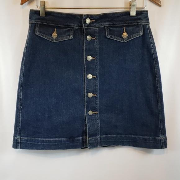 "The ""Loft"" Short alone style demin skirt size 6"